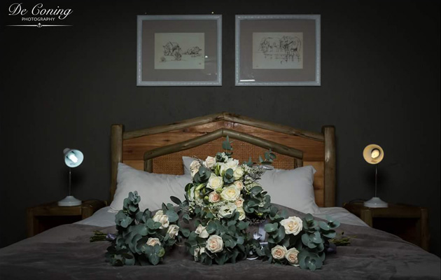 Nelspruit Flower Market,Lowveld,Funerals, Functions, Special Occasions, Weddings, Flower Containers, Arum Lily, Asters, Casablanca Lilies, Daffodils, Delphinium, wedding flowers, wedding bouquet artists